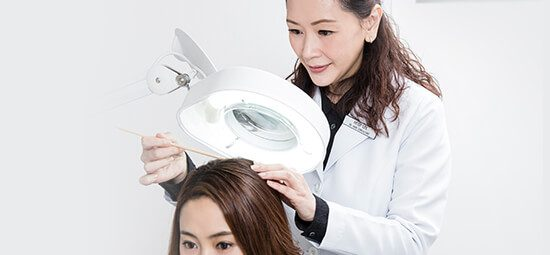 Svenson Trichologist hair checkup